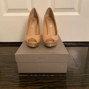 BCBGMAXAZRIA Nude and Gold Heels